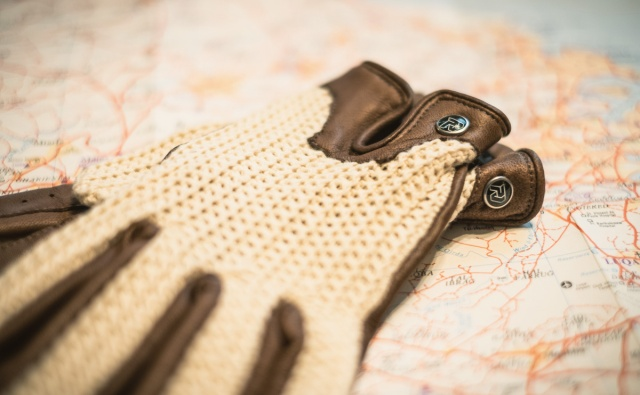 06_JCR_180714_driving gloves_no wm_ps